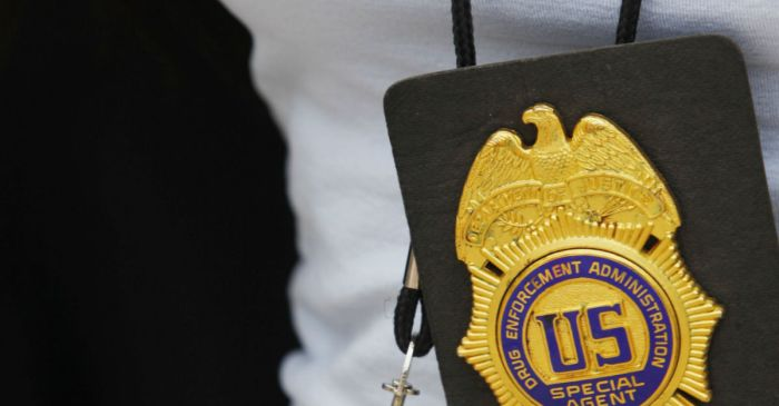 A DEA agent kept his job even after agency was alerted to extramarital affair with convict