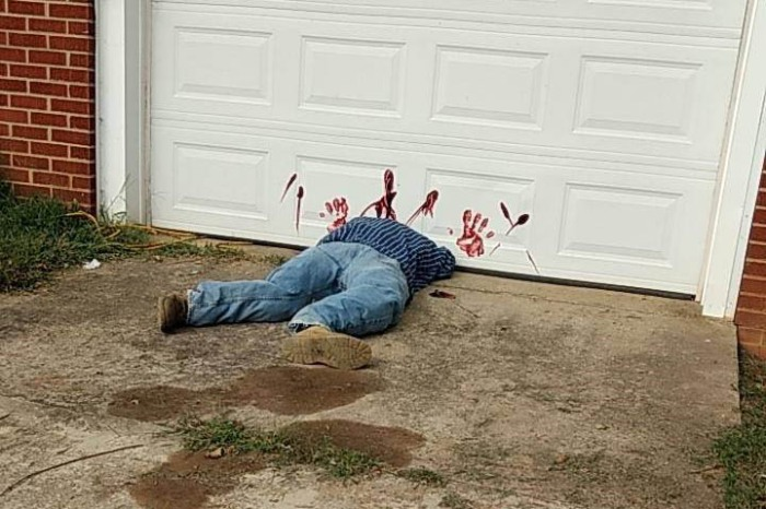 Police Tell Public to Stop Calling 911 Over Too Realistic Halloween Decoration