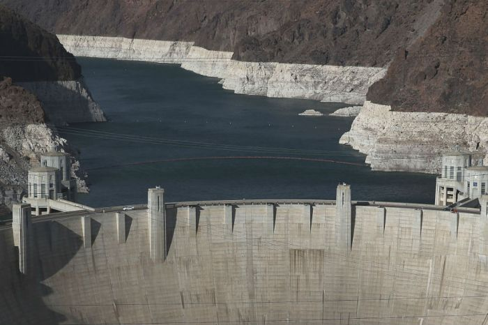 With alcohol's help, a man succesfully made the swim across the Hoover Dam