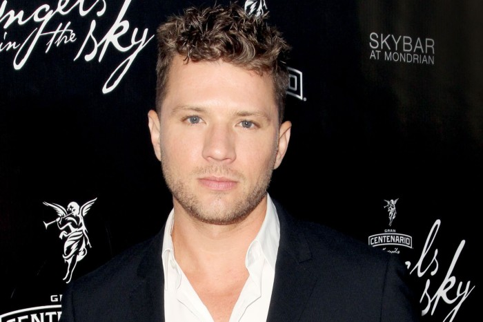 Ryan Phillippe's ex hinted at her own troubles before claiming he beat her up