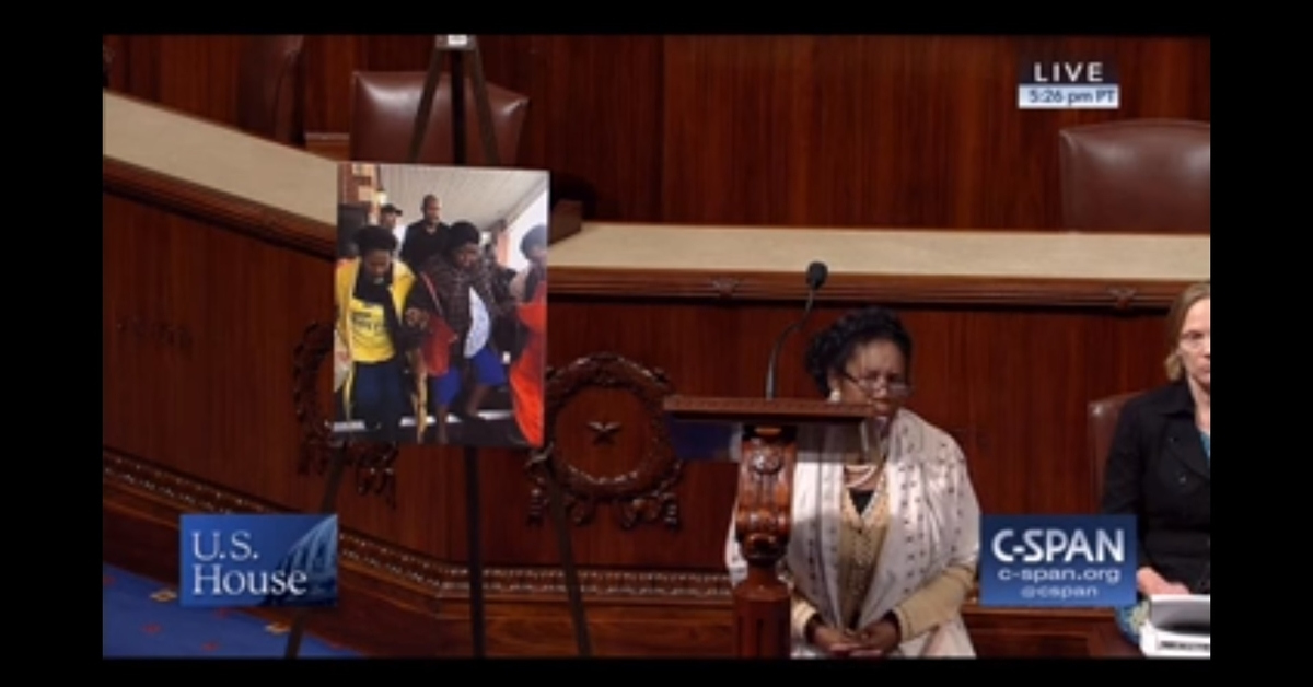 Texas Rep. Sheila Jackson Lee joins the NFL players' protest with this demonstration on the House floor