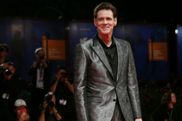 Jim Carrey accuses his ex of an elaborate extortion scheme as he's blamed for her suicide