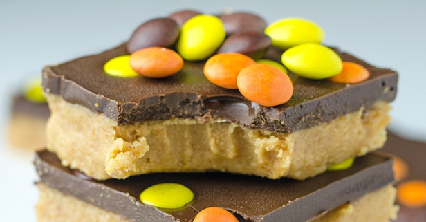 6-ingredient, no-bake Reese's peanut butter bars will make you the star of any bake sale