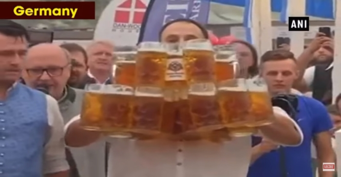 German Man Carried 29 Huge Glasses of Beer to Break His Own World Record