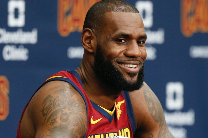 This Bulls fan decided to heckle LeBron…and the King wasn't having it
