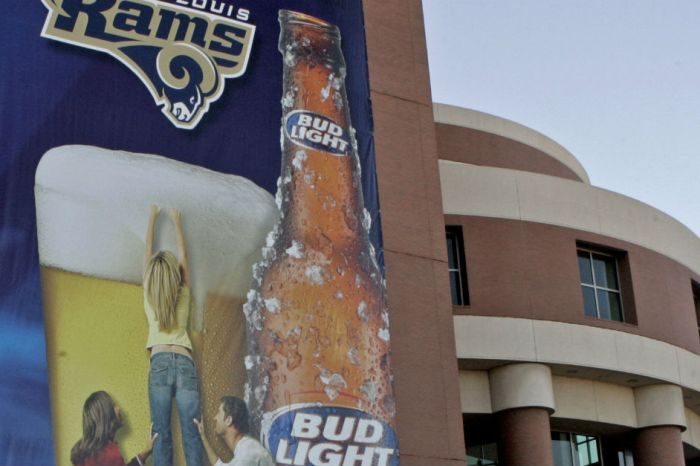 Helpline crashes after NFL fans express whether or not they want Budweiser to sponsor the NFL