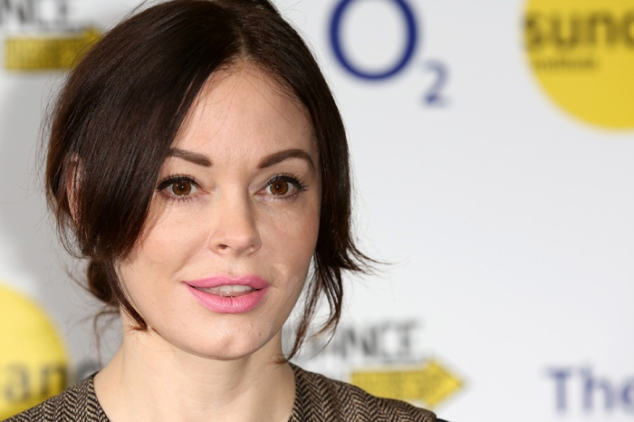 After facing extreme scandal, someone close to Rose McGowan ended her own life