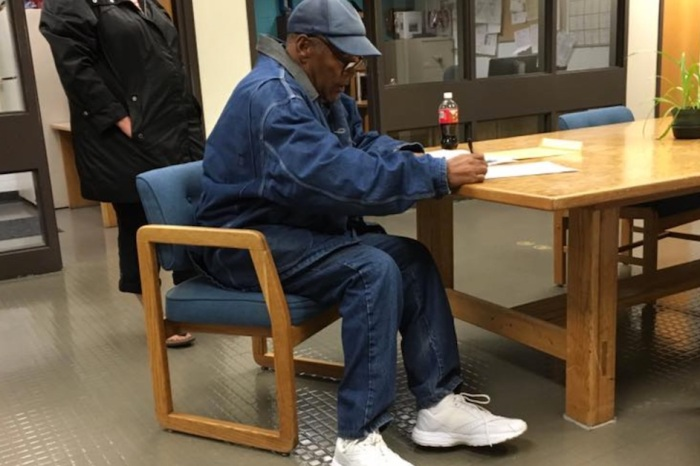 The Juice is loose, again: video shows O.J. Simpson being released from prison overnight