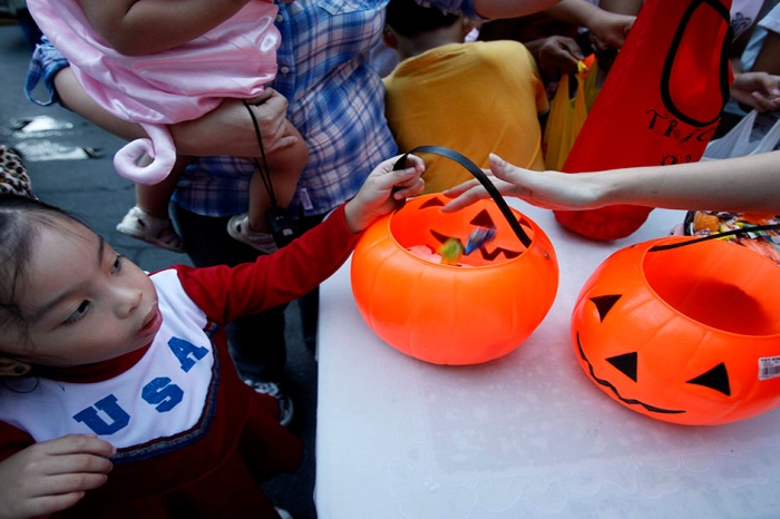 Some Houstonians celebrated Halloween twice after one 4-year-old spent his in the ICU