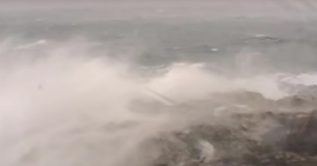 Webcam captures Lake Superior's 22-foot-waves and it's haunting