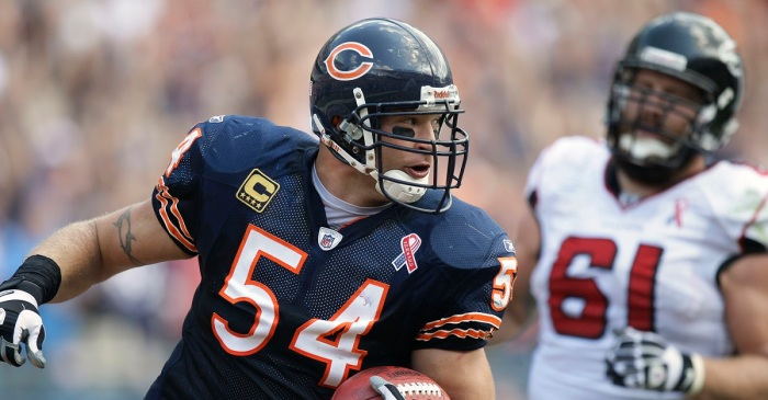 Former Bears linebacker sued for allegedly framing his ex of murder