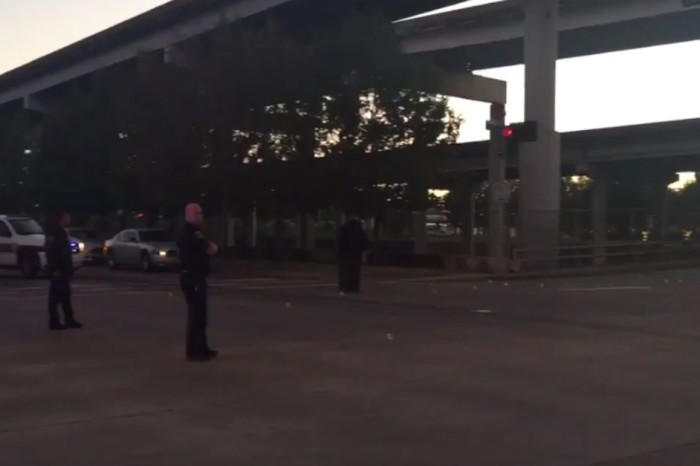 3 injured in 2 separate downtown shootings last night, 1 Houstonian dead