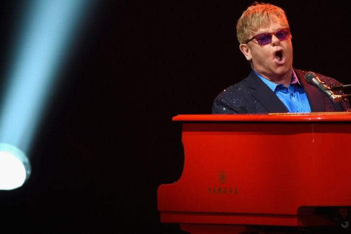 Elton John halted his concert in the middle of a song to curse out his failing piano