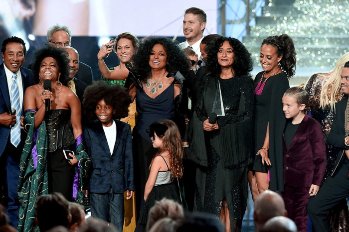 Icon Diana Ross made her AMAs performance a family affair by inviting her grandkids to sing with her