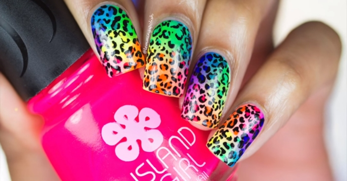 If you're a fan of the 90s, you're going to love this Lisa Frank-inspired nail art