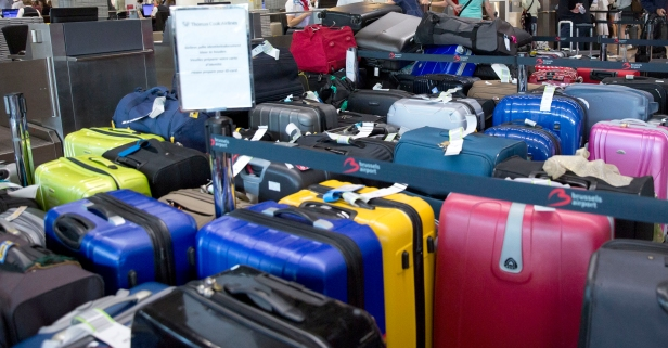 8 reasons why you should never check your luggage at the airport