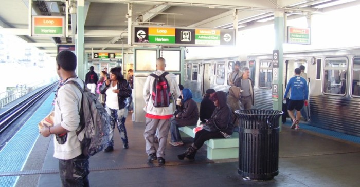 Woman gives birth to baby twins at CTA Red Line stop