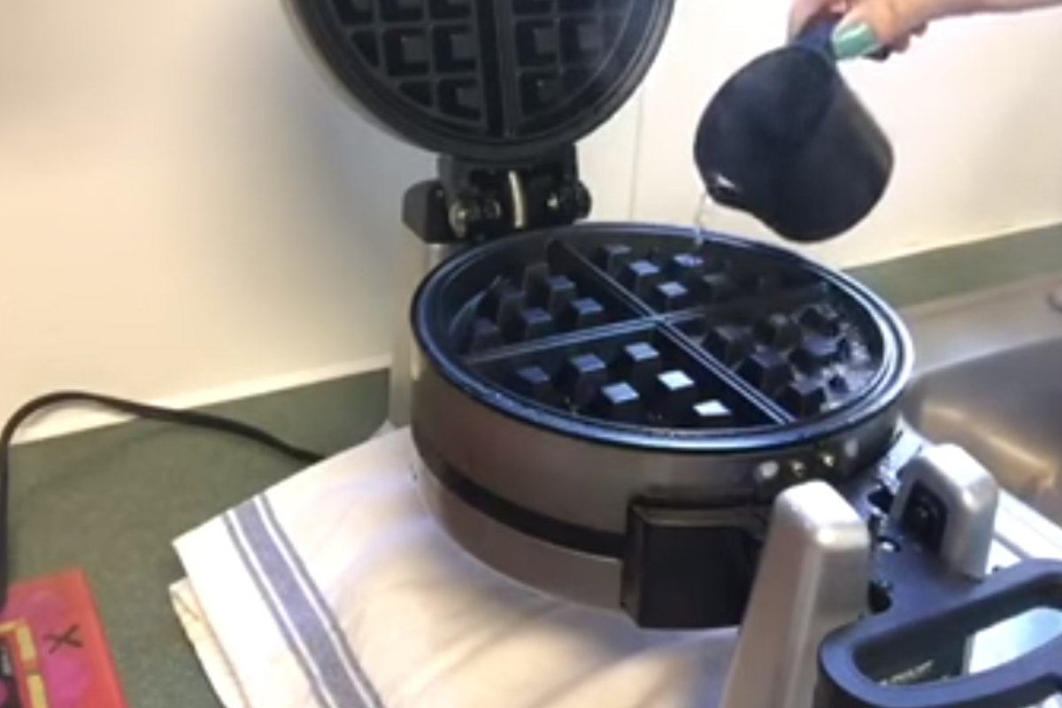 We finally found the secret to easily cleaning your waffle iron
