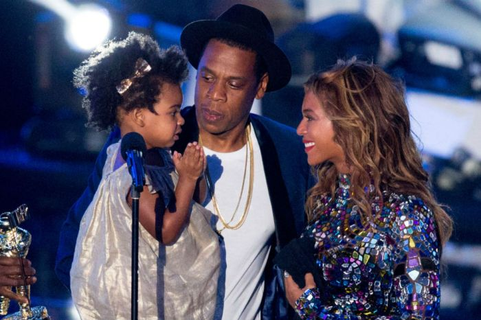 Beyoncé shares beautiful behind-the-scenes pictures with family in Jay-Z's newest music video