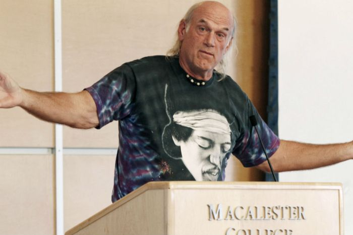 "Jesse Ventura disrespected the late ""American Sniper"" Chris Kyle and is getting hammered for it"