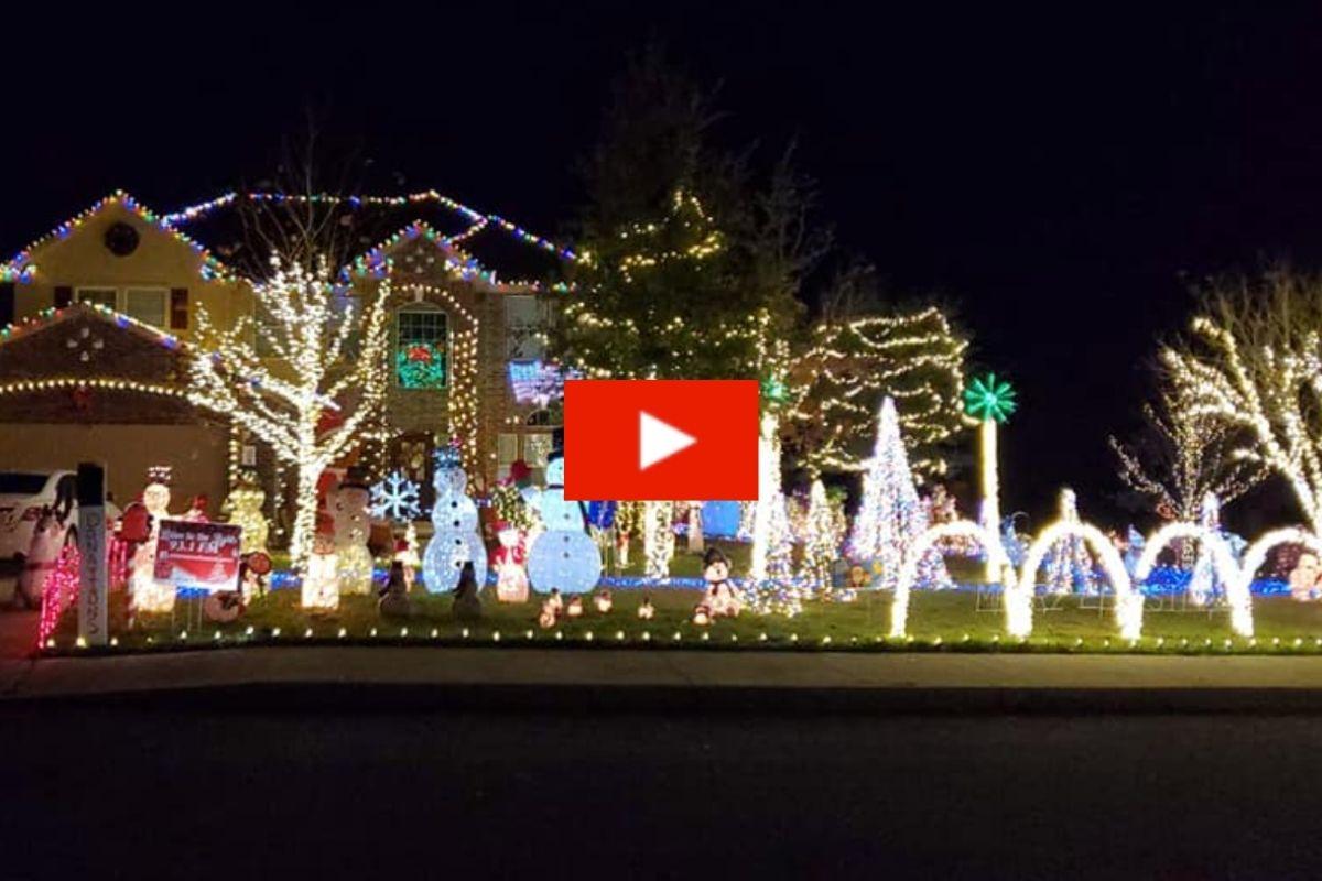 Texas Family Home's Christmas Light Show Features Popular Selena Quintanilla Hit