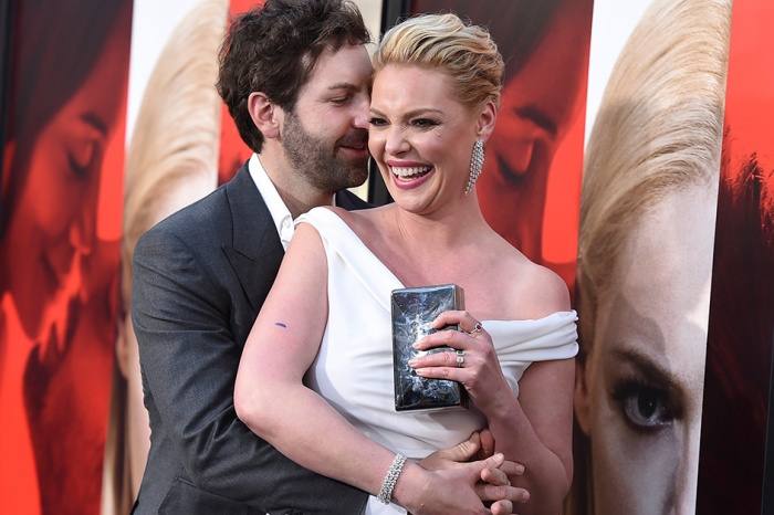 Katherine Heigl and Josh Kelley got naked on Instagram to celebrate 10 years of marriage