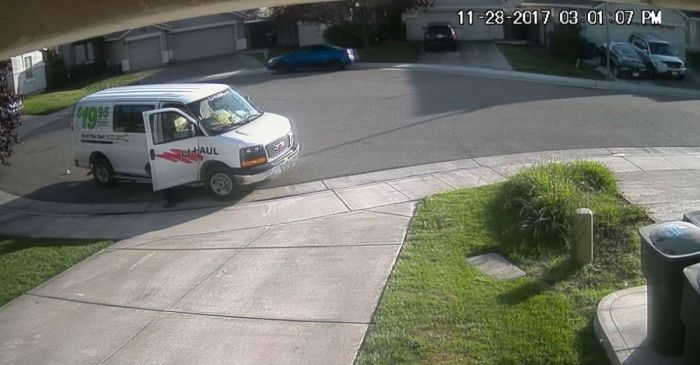 What this Amazon delivery driver left in a driveway will have you putting up cameras outside your house
