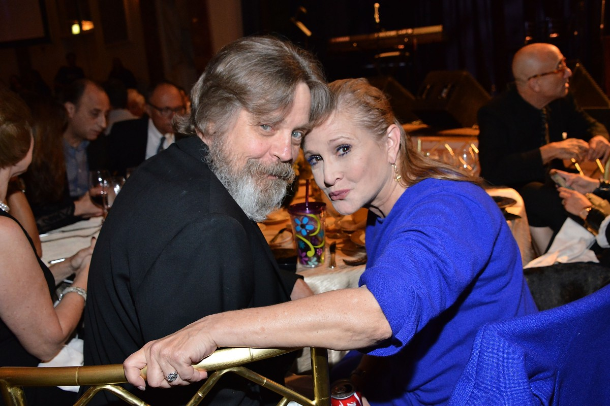 "Mark Hamill Admits ""Making Out Like Teenagers"" with Carrie Fisher Once Outside Filming of ""Star Wars"""