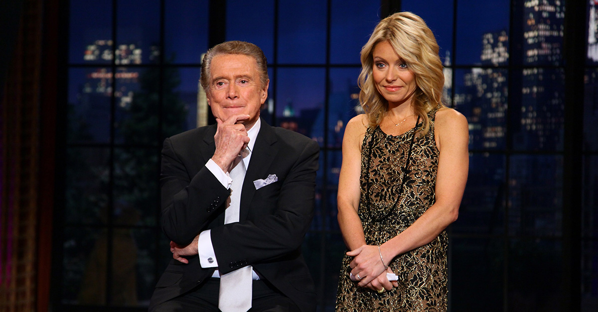"Kelly Ripa says former co-host Regis Philbin had a ""no talking off-camera"" rule on ""Live!"""