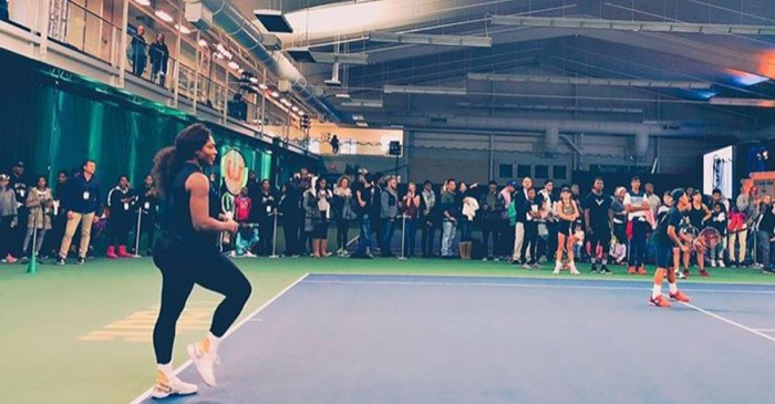 Serena Williams returns to the tennis court for the first time since welcoming daughter Alexis Olympia