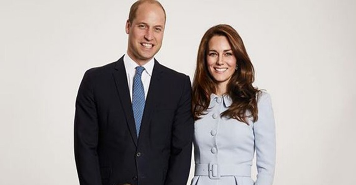 The internet has found something seriously wrong in the royal family's Christmas card