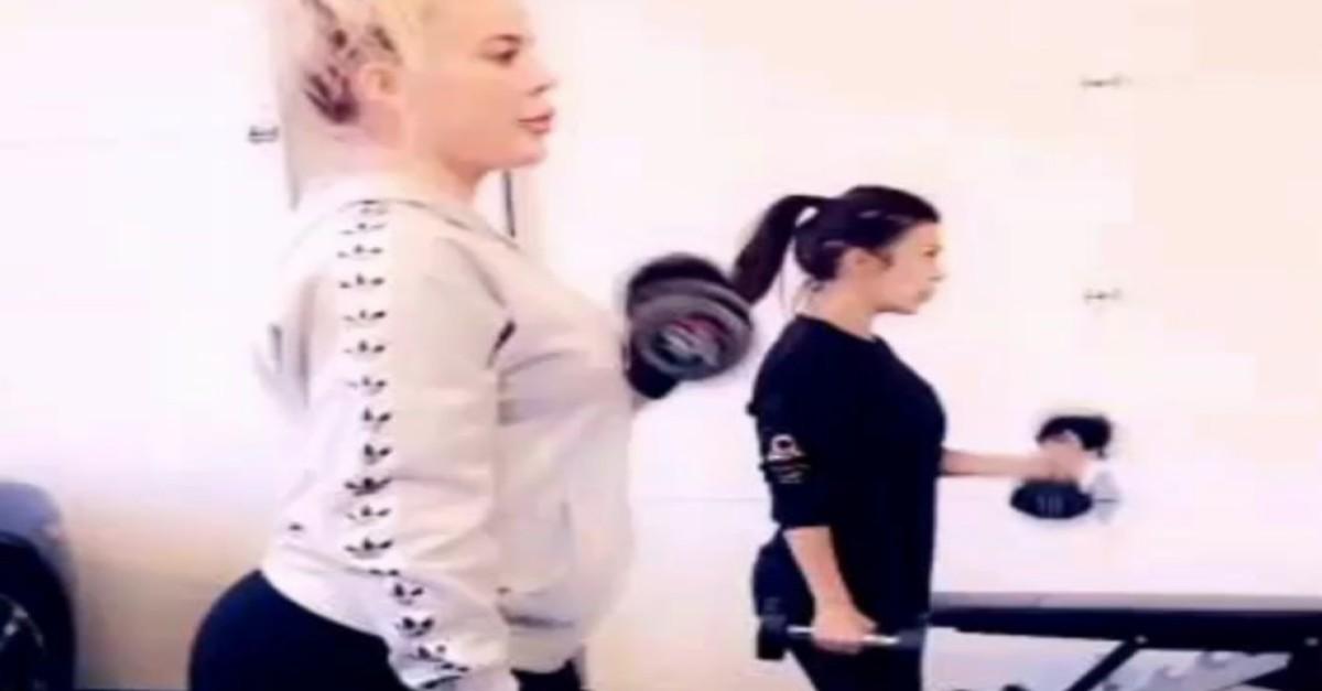 Khloé Kardashian flaunts her pregnant body at the gym — again