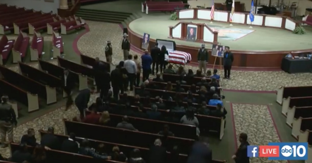 There wasn't a dry eye in the room — cop and father of 3 killed on Christmas Eve is laid to rest