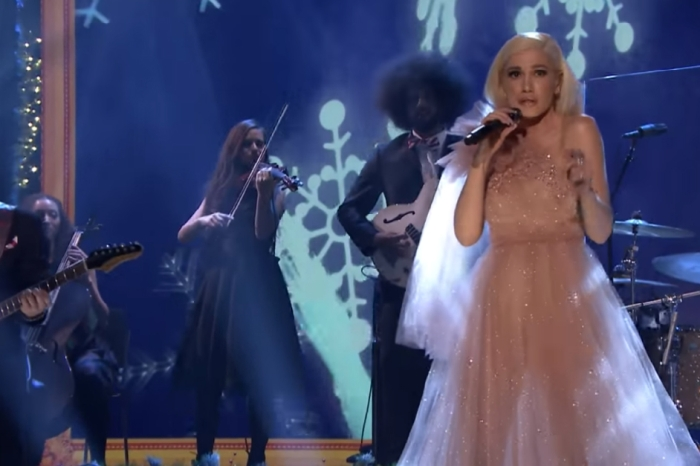 "Gwen Stefani performs a Christmas classic on ""The Tonight Show"" and absolutely ""sleighs"" it"