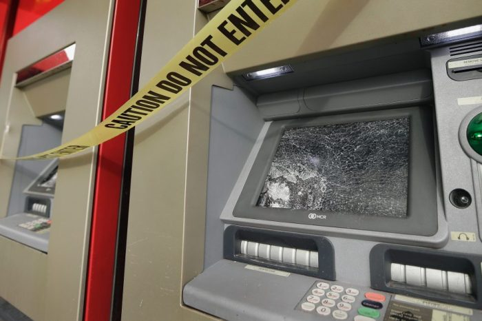 Houston robbery crews attempt nearly simultaneous ATM thefts, remain at large