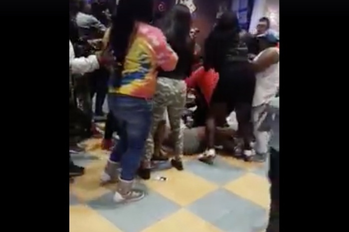 All Out Pizza Place Brawl Starts Over Missing Phone, Continues For Even Dumber Reason