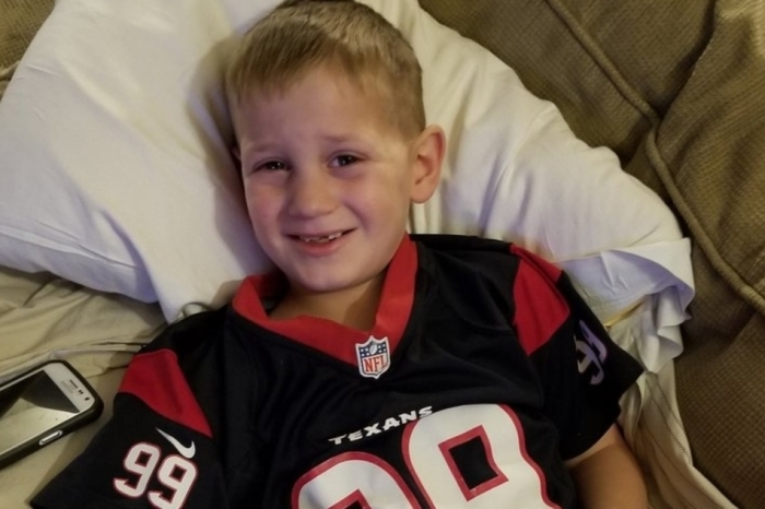 J.J. Watt brightens the day of a tiny fan with a broken leg who wants to be just like his idol