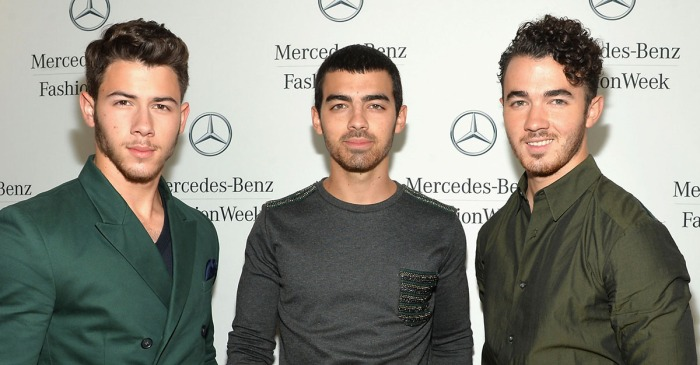 New viral photo of the Jonas Brothers has fans getting very excited
