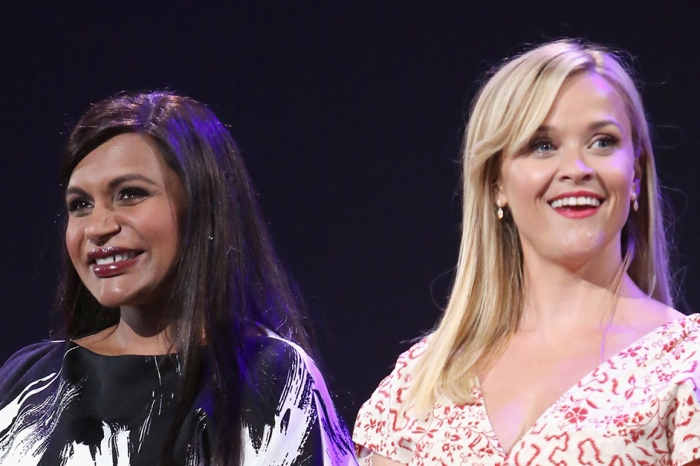 Mindy Kaling just called out Reese Witherspoon — and we're loling