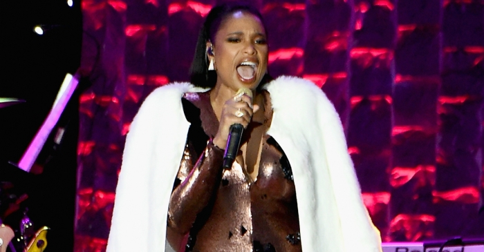"Jennifer Hudson has been chosen to play a legendary ""Queen of Soul"" in an upcoming movie."