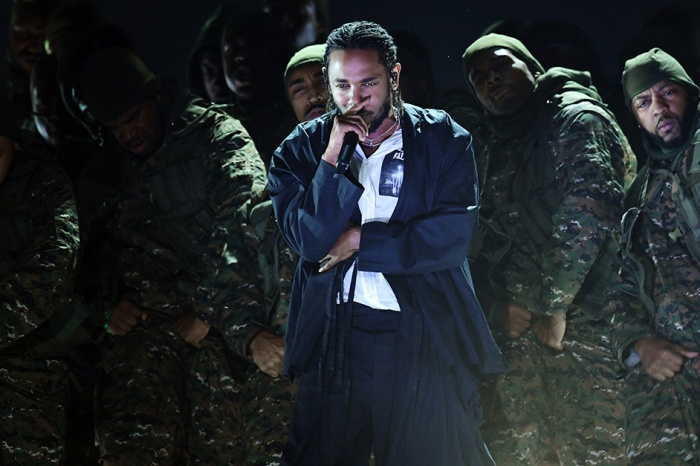 Kendrick Lamar got the Grammys off to a politically charged start with a little help from U2 and Dave Chappelle