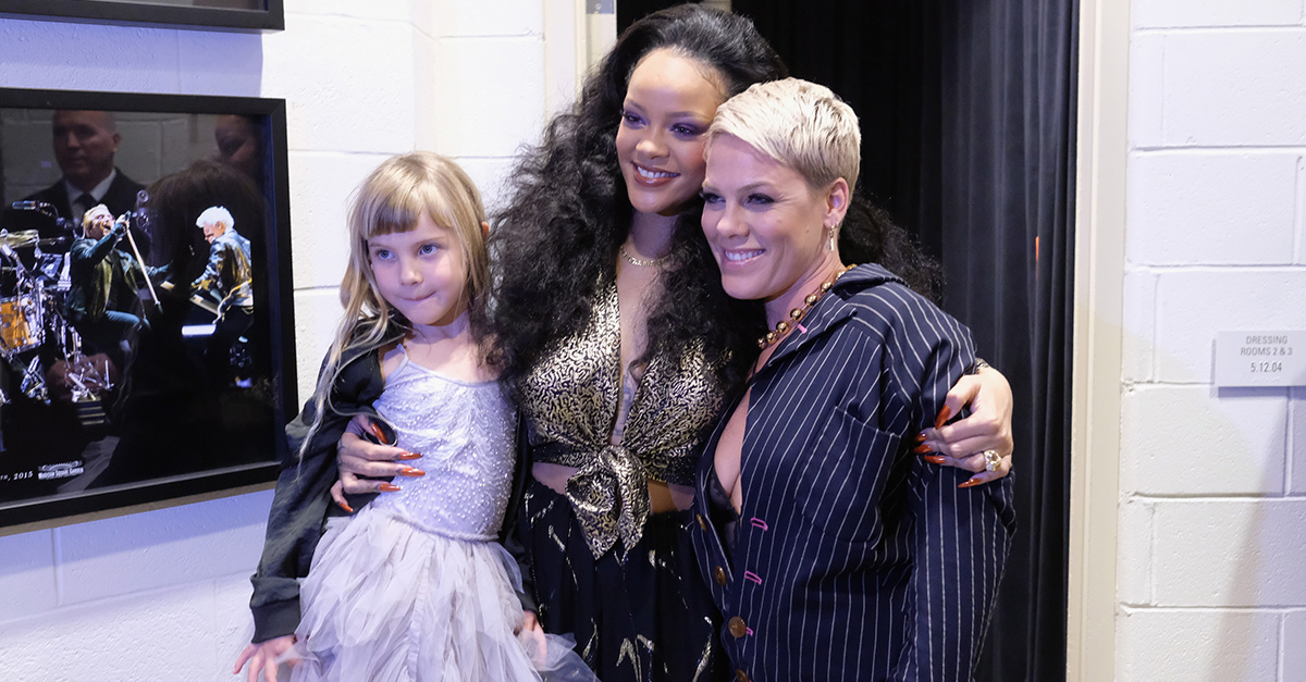 Pink, Willow Hart and Rihanna backstage at 60th annual Grammy Awards