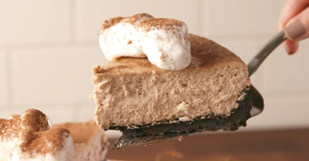 Hot chocolate cheesecake is the winter treat of your dreams