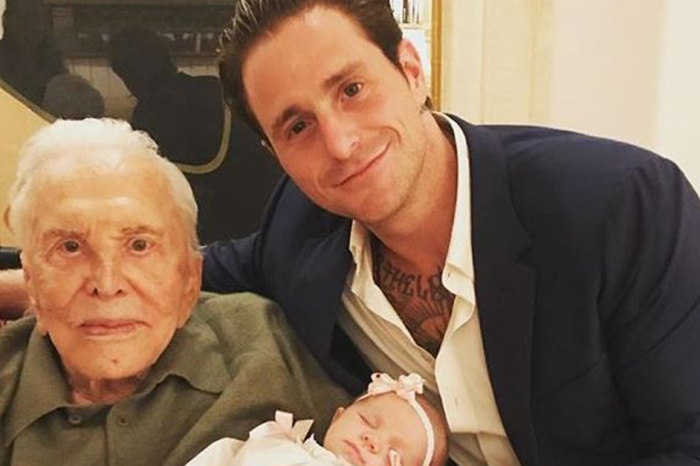 Kirk Douglas was all smiles in an adorable photo with his first great-granddaughter