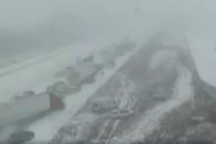 This video shows just how quickly a massive pile-up in Iowa begins