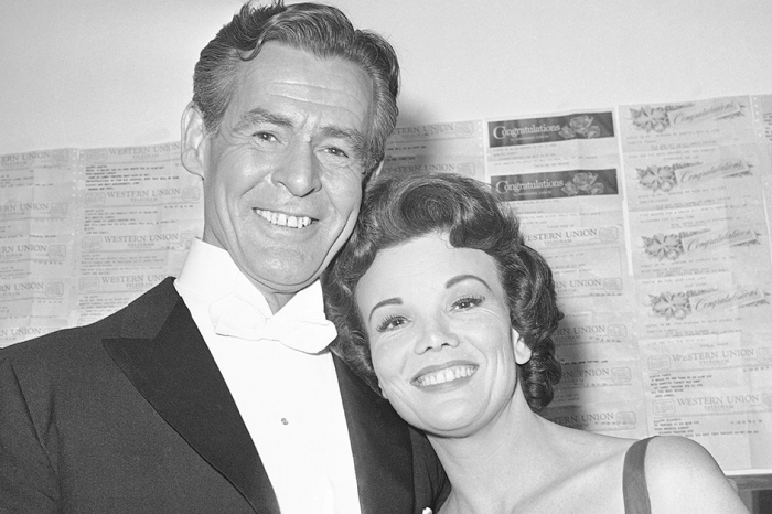 A famous Tony-winning actress and TV mom has passed away at 97