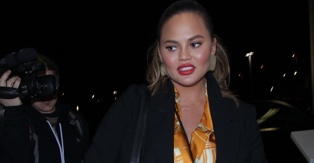 Chrissy Teigen had a serious food question she needed answered before boarding an airplane