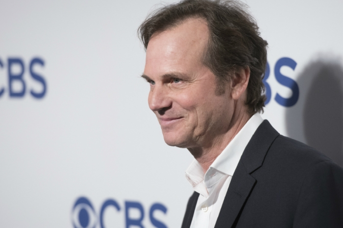A year after his death, the family of Bill Paxton is pointing the finger at the hospital in which he died