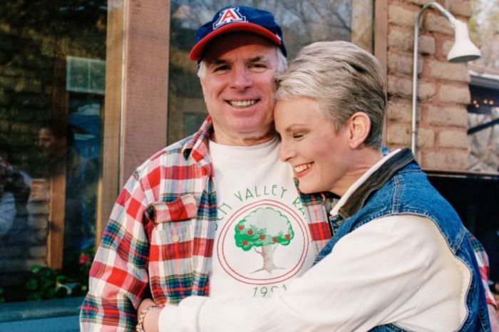 Sen. John McCain's Valentine's Day message to his wife of 38 years is warming hearts across America