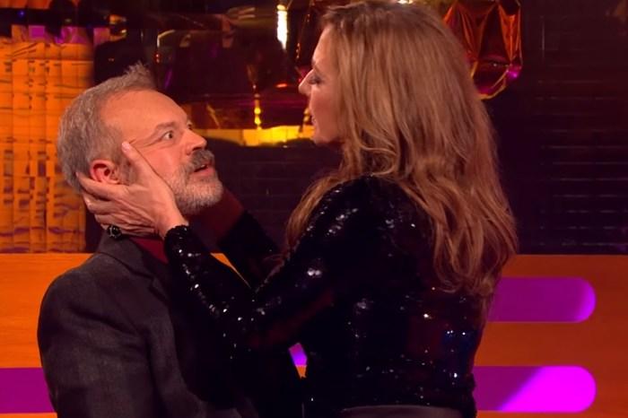 Allison Janney demonstrates Meryl Streep's kissing technique on talk show host Graham Norton